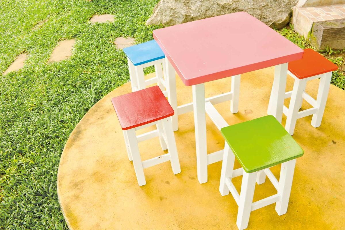 Vopsirea si lacuirea prin pulverizare a jucariilor si mobilierului pentru copii